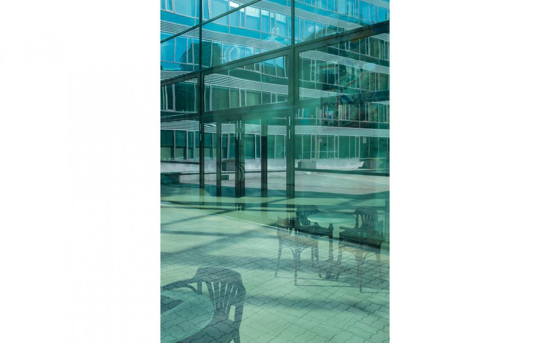 Eck mit Spiegelungen, Wien